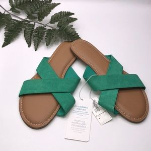 Old Navy Kelly Green Cross Strap Slide size 6